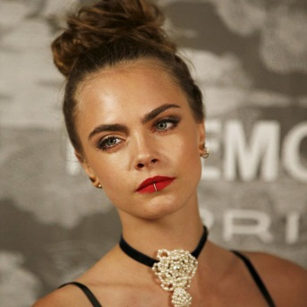 cara-delevingne-gothic-style-beauty-look