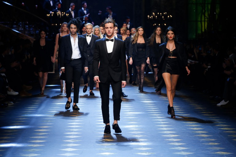 dolce-and-gabbana-fall-winter-2017-18-men-fashion-show-runway-113