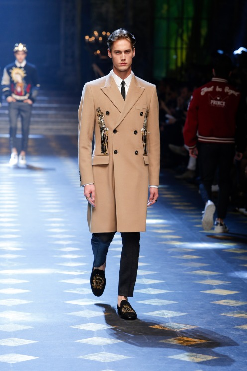 dolce-and-gabbana-fall-winter-2017-18-men-fashion-show-runway-19